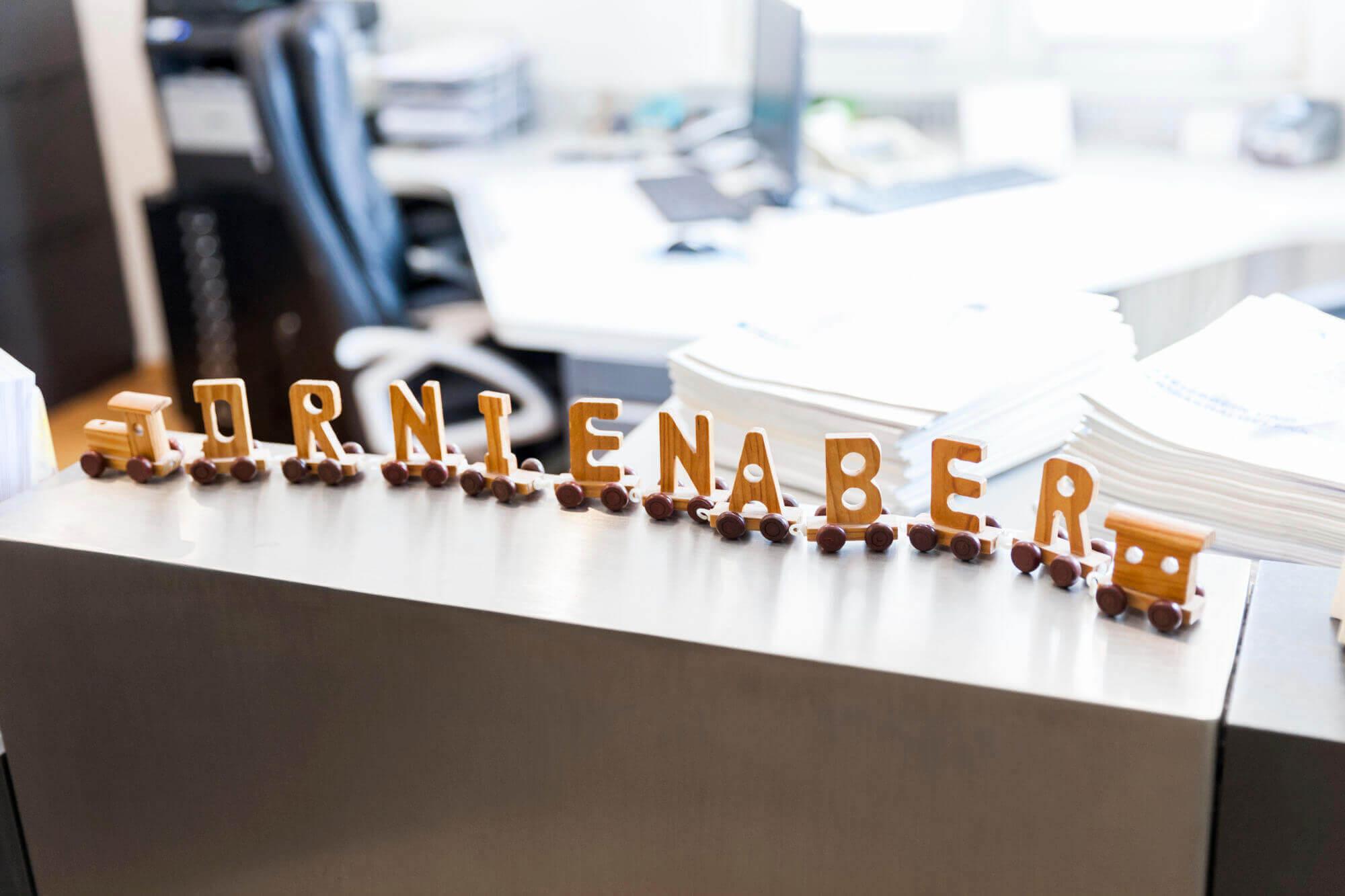 Empfangstresen mit Namens-Zug Dr. Nienaber